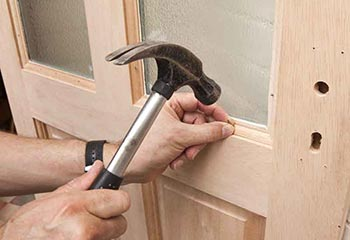 Locked Out Locksmith Emergency Glazing and Window Repair Service in North Finchley N12